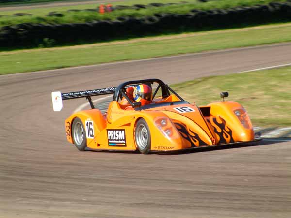 Radical racing at Lydden
